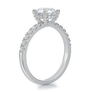 1.50 ctw Round cut Diamond Engagement Ring